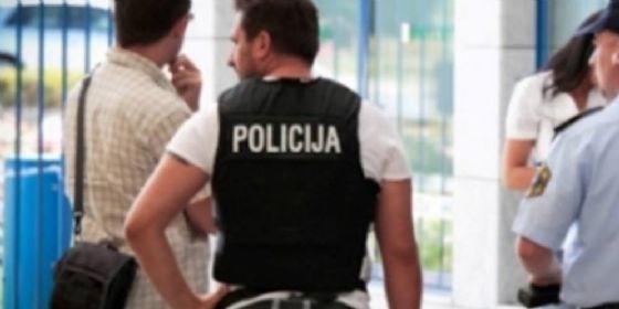 Anziano denuncia aggressione da parte di poliziotti sloveni (© Sloit)