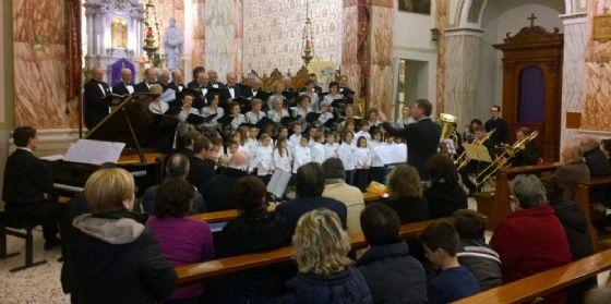 """Il """"Natale a Pordenone"""" con gli auguri in biblioteca e due concerti"""