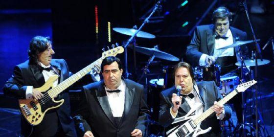 Elio e le Storie Tese durante il Festival di Sanremo
