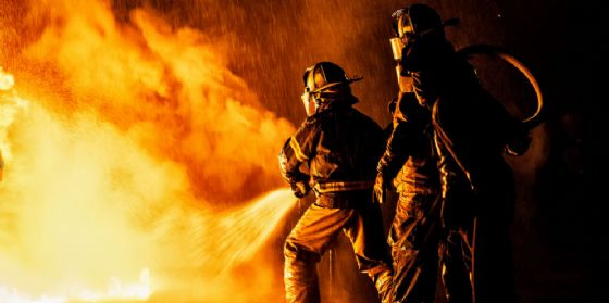 Incendio a San Quirino alla Listo Parquet, ingendi i danni