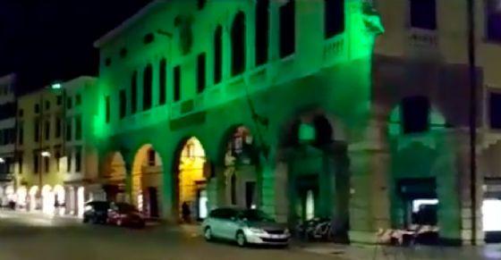 Nuova illuminazione a led in via Mercatovecchio (© webcam)