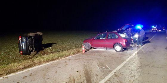 Scontro tra Rodeano a Carpacco: auto finisce ruote all'aria
