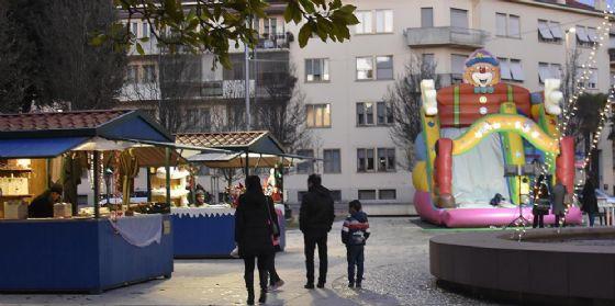 Il Natale a Pordenone è fatto di giochi: burattini, tombola dei libri e balli latini (© Comune di Pordenone)