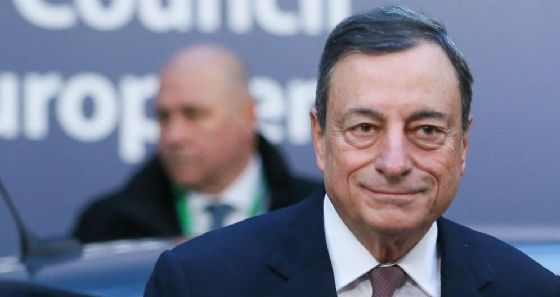 Il governatore della Bce, Mario Draghi, a Bruxelles il 15 dicembre 2017.
