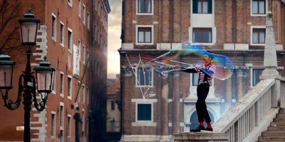Natale a Pordenone, in piazza Risorgimento arriva il mago Stracciatella