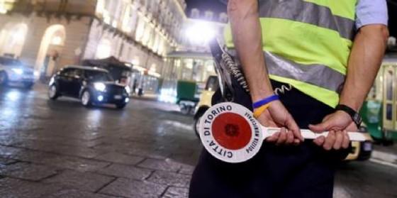 Raid contro le auto private della polizia municipale