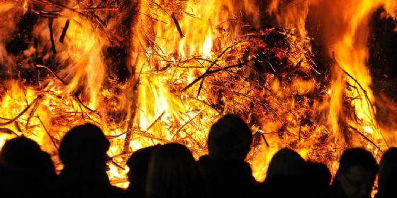 Ultimi giorni del 'Natale a Pordenone': immancabili il mercatino, le casette e il falò