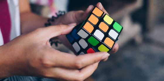 Ha solo 19 anni e vive in Fvg il campione italiano del cubo di Rubik (© shutterstock   Lisyl)
