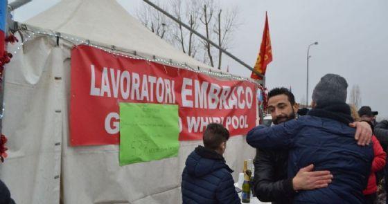 Lavoratori dell'azienda Embraco di Chieri (TO) manifestano l'ultimo dell'anno contro i licenziamenti