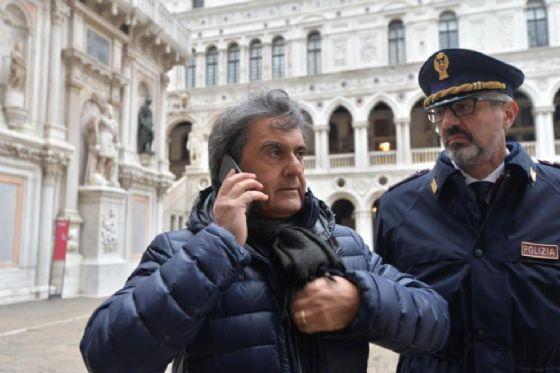 Furto a Palazzo Ducale, Brugnaro è un quaquaraqua