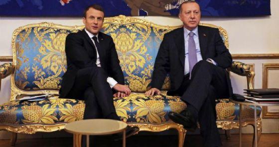 Il Presidente francese, Emmanuel Macron con l'omologo turco, Recep Tayyip Erdogan