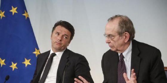 L'ex Premier Matteo Renzi con il Ministro dell'Economia Pier Carlo Padoan