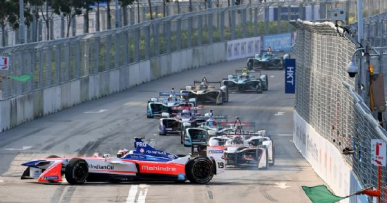La partenza del primo ePrix della Formula E 2017/2018 a Hong Kong