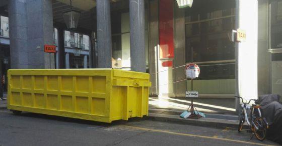 Il container che certifica la nascita di due attività in via Roma (© Diario di Torino)