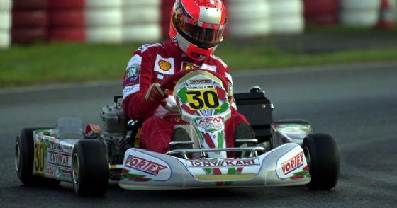 Michael Schumacher al volante di un kart