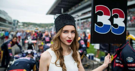 La grid girl di Max Verstappen nel Gran Premio di Russia