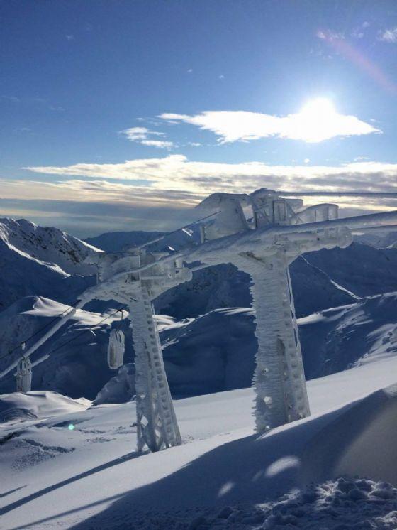 Impianto ghiacciato (© Funivie Oropa)