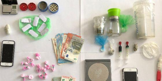 Avevano addosso marijuana, cocaina e ketamina: due arresti e una denuncia per spaccio