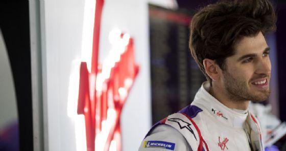 Antonio Giovinazzi nel box della Ds Virgin Racing ai test di Marrakech