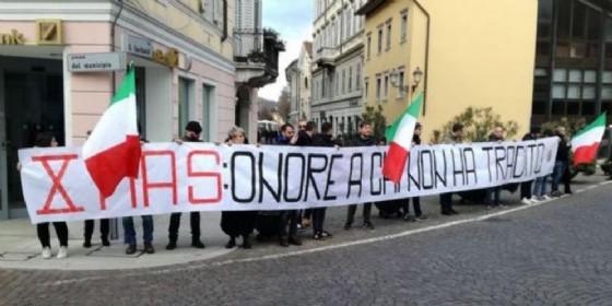 Tensione in città per la commemorazione della battaglia di Ternova (© ANSA)