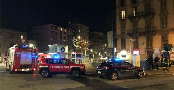 Vigili del fuoco e carabinieri sul posto (© Diario di Torino)