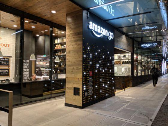 Apre Amazon Go, come è fatto il negozio senza casse nè cassieri