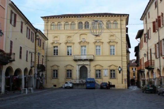 Piazza Cisterna al Piazzo