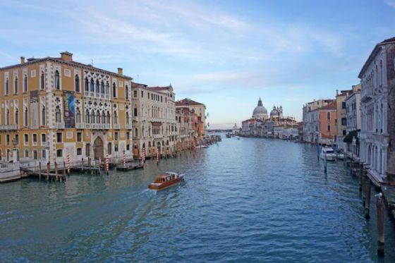 La CNN ai turisti: evitate Venezia