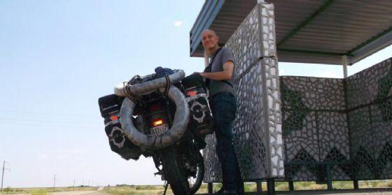 Maurizio De Biasio racconta il suo viaggio in moto lungo la mitica Pamir Road (© Maurizio De Biasio)
