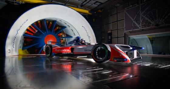 La Mahindra di Formula E nella galleria del vento di Pininfarina a Torino