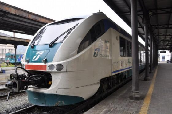 Guasto sulla linea Chivasso-Aosta, treni fermi per oltre cinque ore a Ivrea