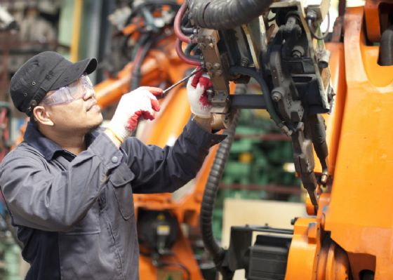 Vola l'Industria 4.0, ma resta il rebus delle competenze