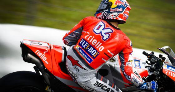 Andrea Dovizioso in sella alla Ducati nei test di Sepang