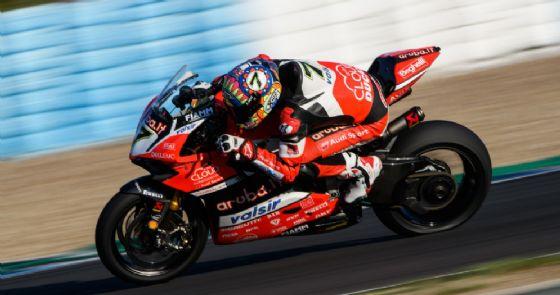 Chaz Davies in sella alla Ducati nei test