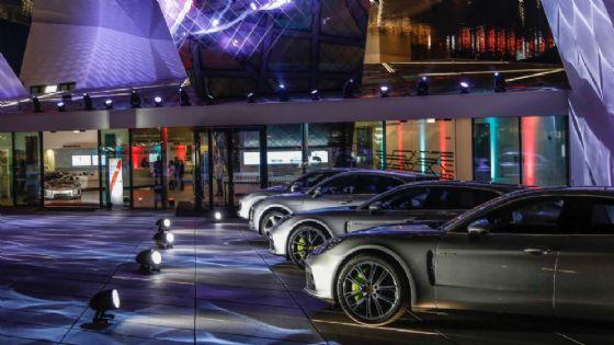 L'inaugurazione del settantesimo anniversario al museo Porsche di Stoccarda