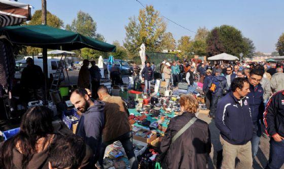 Mercato di libero scambio in via Carcano