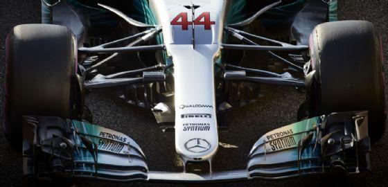 Le sospensioni anteriori della Mercedes di Lewis Hamilton