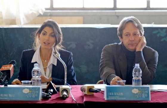 La sindaca di Roma Virginia Raggi e il vicesindaco con delega alla cultura Luca Bergamo
