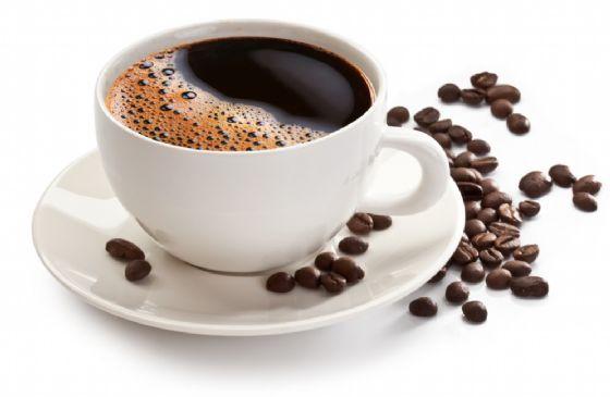 Il caffè come le sigarette? Chiesta un'etichetta per il rischio di cancro