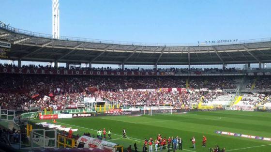 Fumogeno allo stadio durante Torino-Benevento