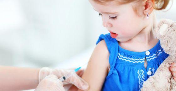 Vaccini, l'appello dei medici: