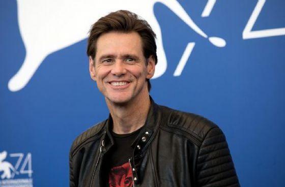 Jim Carrey se n'è andato da Facebook e dovremo farlo anche noi