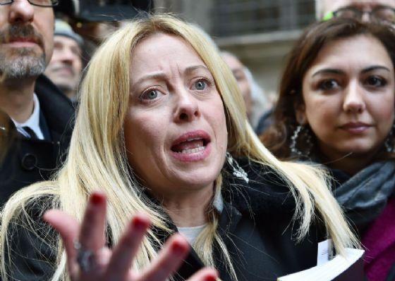 """La leader di Fratelli d'Italia, Giorgia Meloni, definisce """"ridicoli"""" gli organizzatori del corteo contro il razzismo di Macerata"""