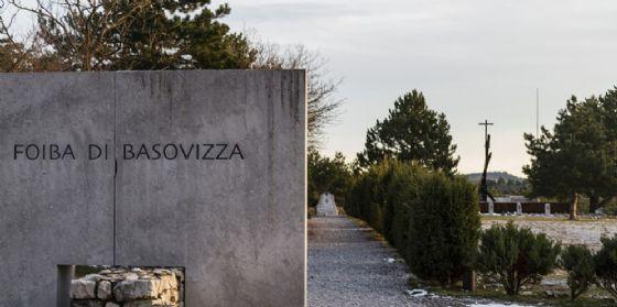 """Foibe, Serracchiani: """"E' giusto dare volti al dolore"""""""