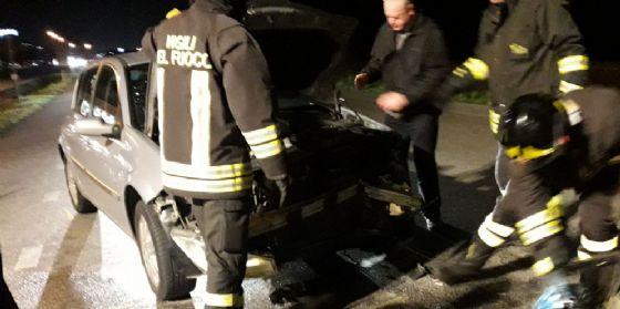 Scontro tra due auto sulla Tresemane: ferite due donne (© G.G.)