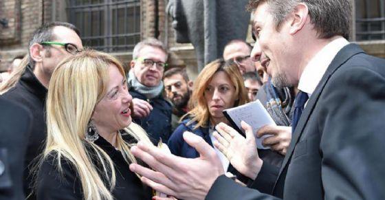 Incontro tra Giorgia Meloni e Cristian Greco di fronte all'Egizio (© ANSA)