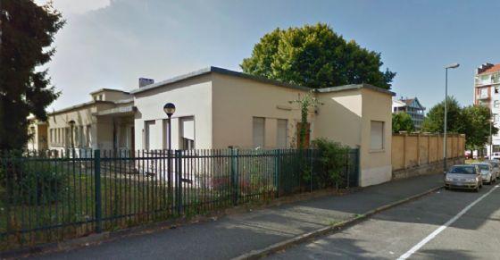 """La struttura che ospita il """"Consultorio Giovani"""" (© Google Street View)"""
