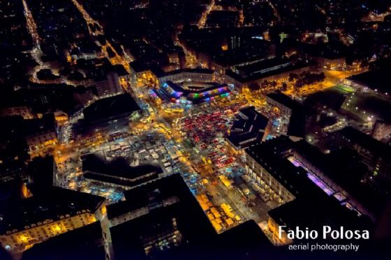 Il mercato di Porta Palazzo visto dal cielo, di notte