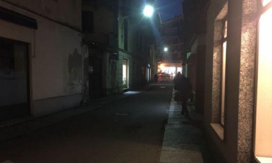 Nella foto, il tratto di via Sebastiano Ferrero in cui verrà invertito il senso unico (© Diario di Biella)