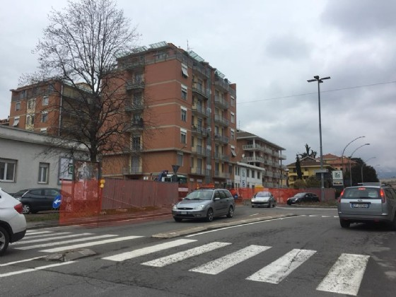 Incrocio stradale tra via Piave e via Carso a Biella